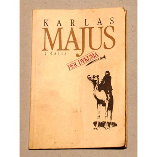 Karlas Majus - Per dykumą 2
